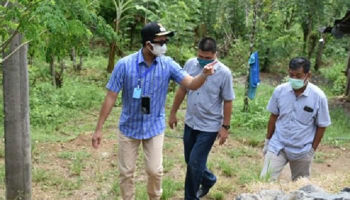 Jamaluddin Dampingi Bupati Sinjai Salurkan Paket Sembako