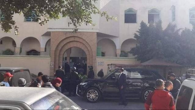Tunisie : Kais Saied fait la prière du vendredi à Cité Ettadhamen