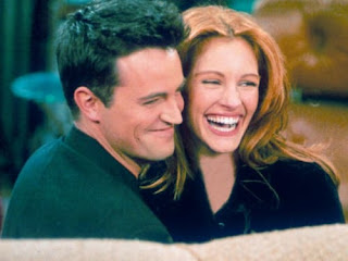 Matthew Perry With Ex Girlfriend Julia Roberts On The Set Of Friends