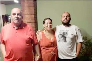 """""""A família acabou"""": pai, mãe e filho único morrem de Covid em 1 mês"""