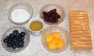 ingrediente zabaglione, retete cu galbenusuri de ou, retete cu struguri, retete cu visine, retete cu vin si piscoturi de sampanie, ingrediente pentru dulciuri si prajituri de casa, retete,