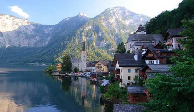 alasannya ialah tidak diragukan lagi bahwa Eropa merupakan tempat bagi desa 10 DESA SUNGGUH INDAH DI EROPA
