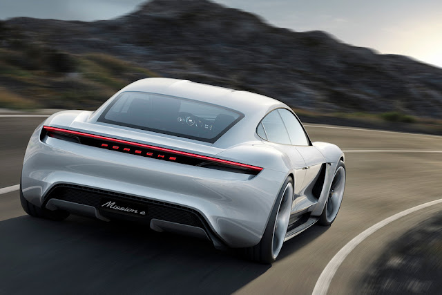 This year we will meet the Porsche Mission E, the electric that seeks to take all the glory of the Tesla Model S