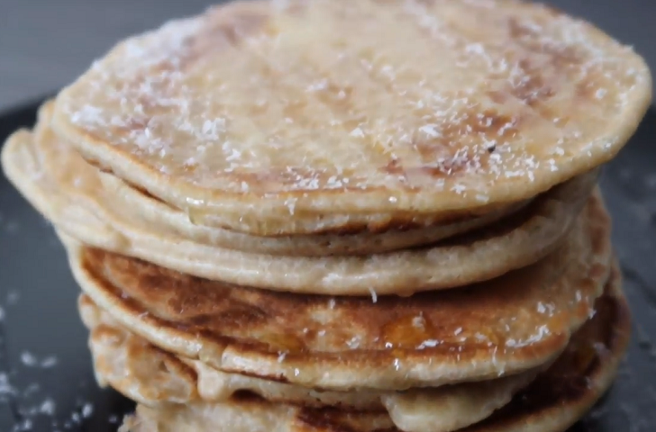 COCONUT OATMEAL PANCAKES - GLUTEN AND DAIRY FREE