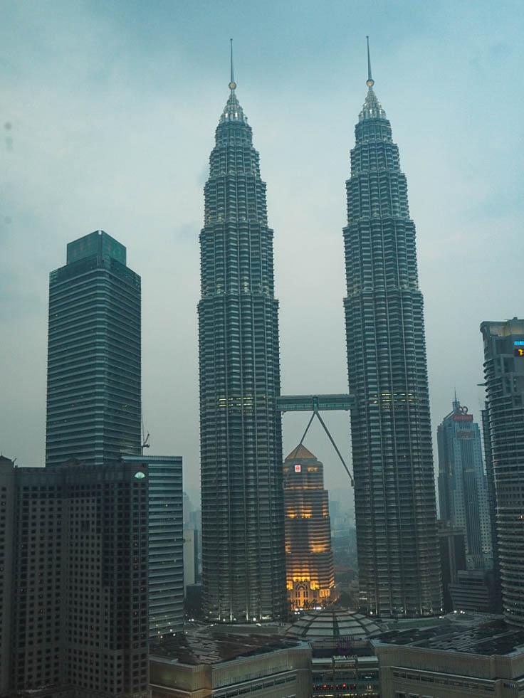 petronas towers view room traders hotel kuala lumpur