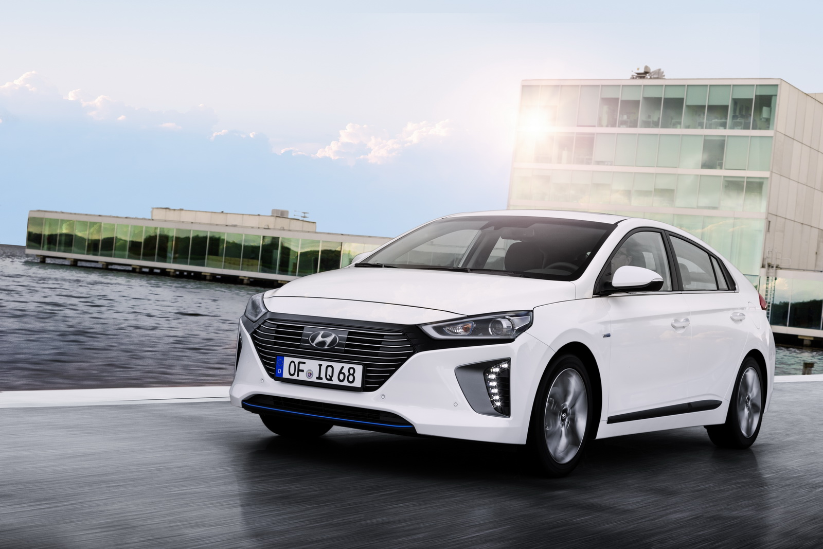 hyundai ioniq range detailed priced from 19 995 in the. Black Bedroom Furniture Sets. Home Design Ideas