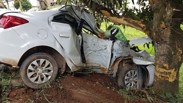 Buraco na pista e alta velocidade podem ser a causa de acidente grave na MG-108 em Manhumirim