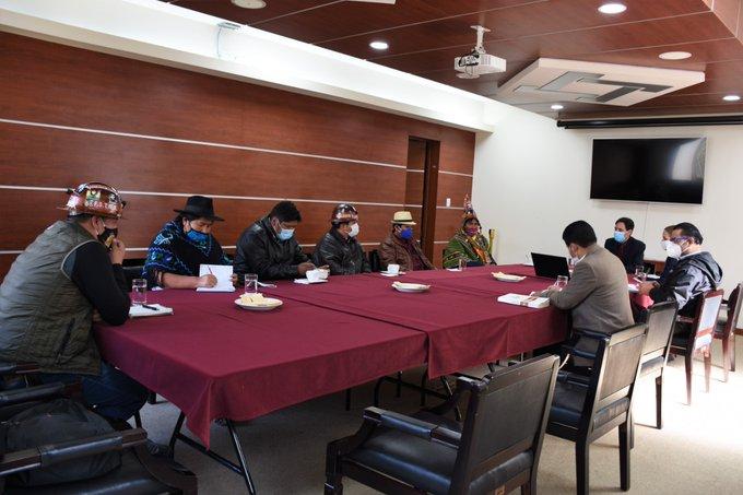 El TSE y la COB se reunieron desde la tarde en busca de acordar una fecha definitiva para las elecciones / FUENTE DIRECTA