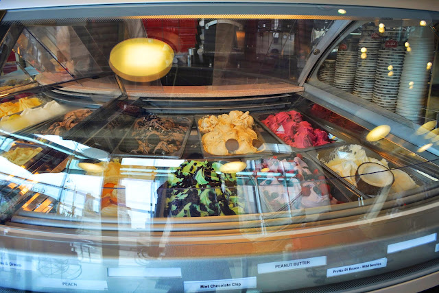 gelato choices available at Mariano's Chicago