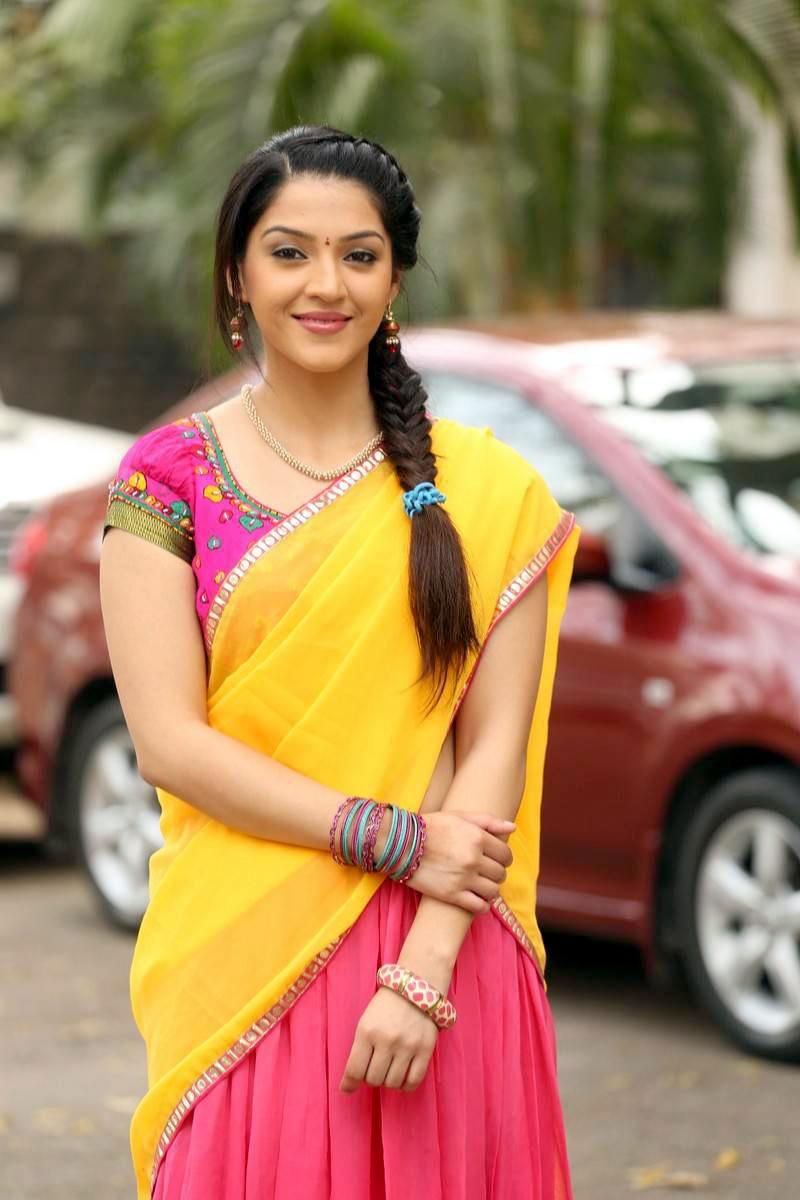 mehreen stills at krishna gadi veera prema gaadha press meet latest telugu entertainment and