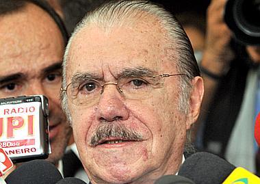 Ex- Senador José Sarney comenta fim das coligações partidárias em artigo