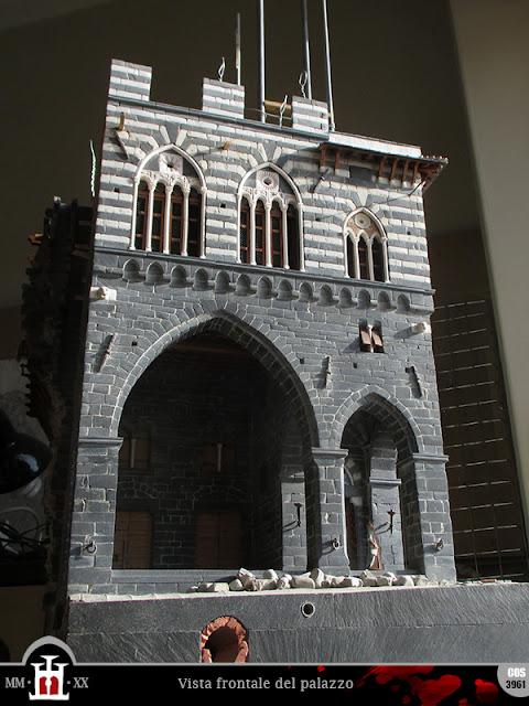 Vista frontale del palazzo