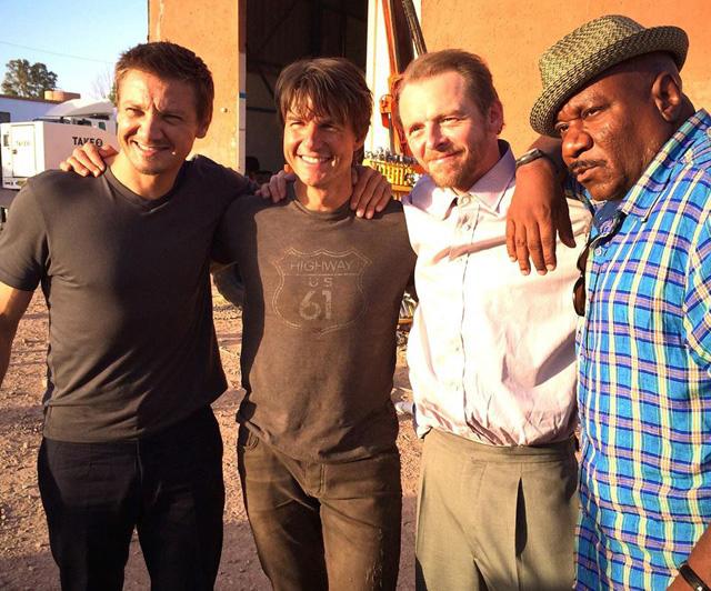 Jeremy Renner, Tom Cruise, Simon Pegg şi Ving Rhames pe platourile de filmare pentru Mission: Impossible 5