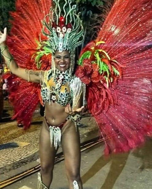 Negah Andrade é a Rainha da Bateria Majestosa pela 11ª vez em 2020 pela Escola de Samba  Cidade Jardim