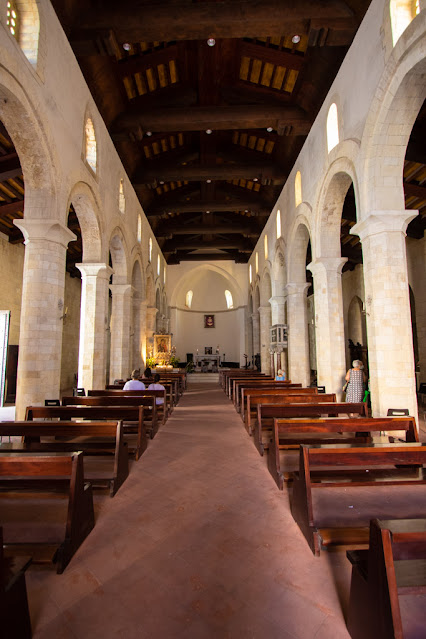 Duomo di Tropea- (Cattedrale di Maria Santissima di Romania)-Interno