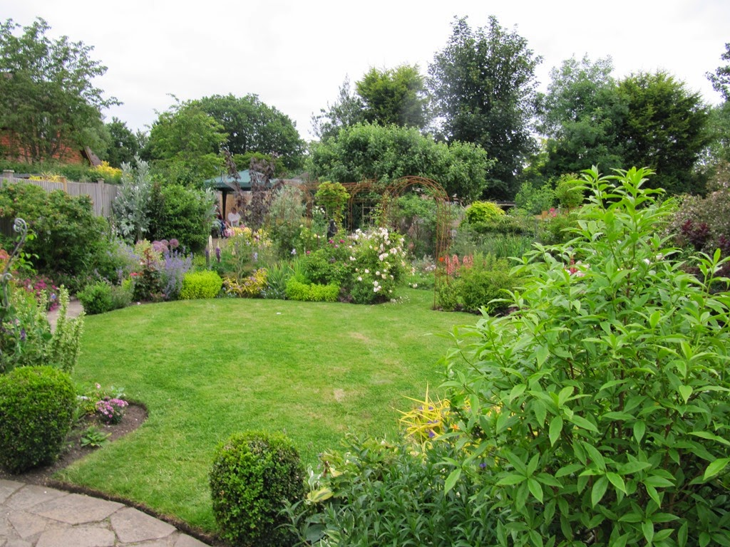 Hurst Green Gardening Club: Open Garden And Garden Party