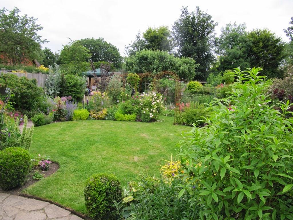 Hurst Green Gardening Club: Open Garden and Garden Party