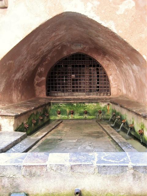 Frontal de la Fuente-lavadero islámica-normanda de Cefalù