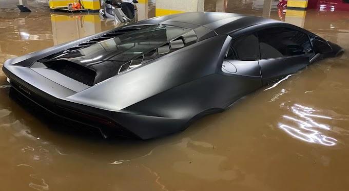 Lamborghini de R$ 1,6 milhão é atingida por enchente em SP; veículo não tinha seguro