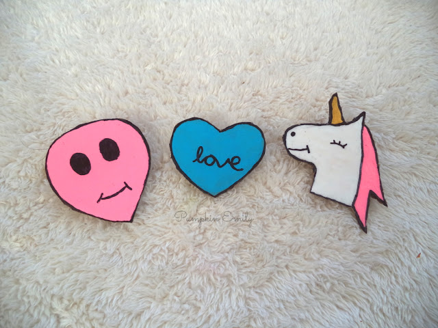 DIY Tumblr Pins made out of cardboard