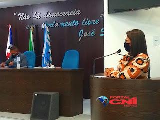 Na tribuna, Nildinha Teles parabeniza a prefeita Belezinha pela parceria com a faculdade FAP e convida os chapadinhenses para mais uma Campanha de Doação de Sangue