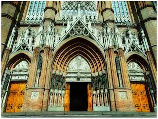 Entrada da Catedral de La Plata, Argentina