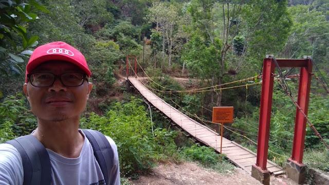 Jembatan gantung Koleang