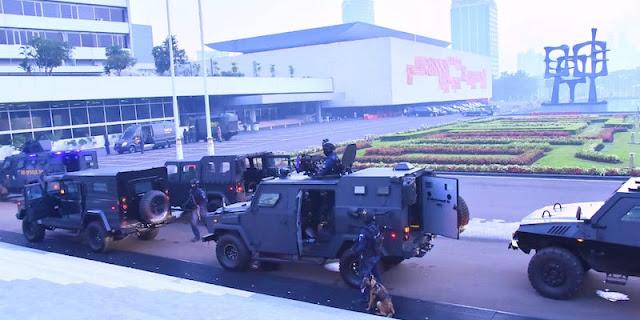 Satgultor TNI Berhasil Tumpas Teroris Yang Kuasai Gedung DPR