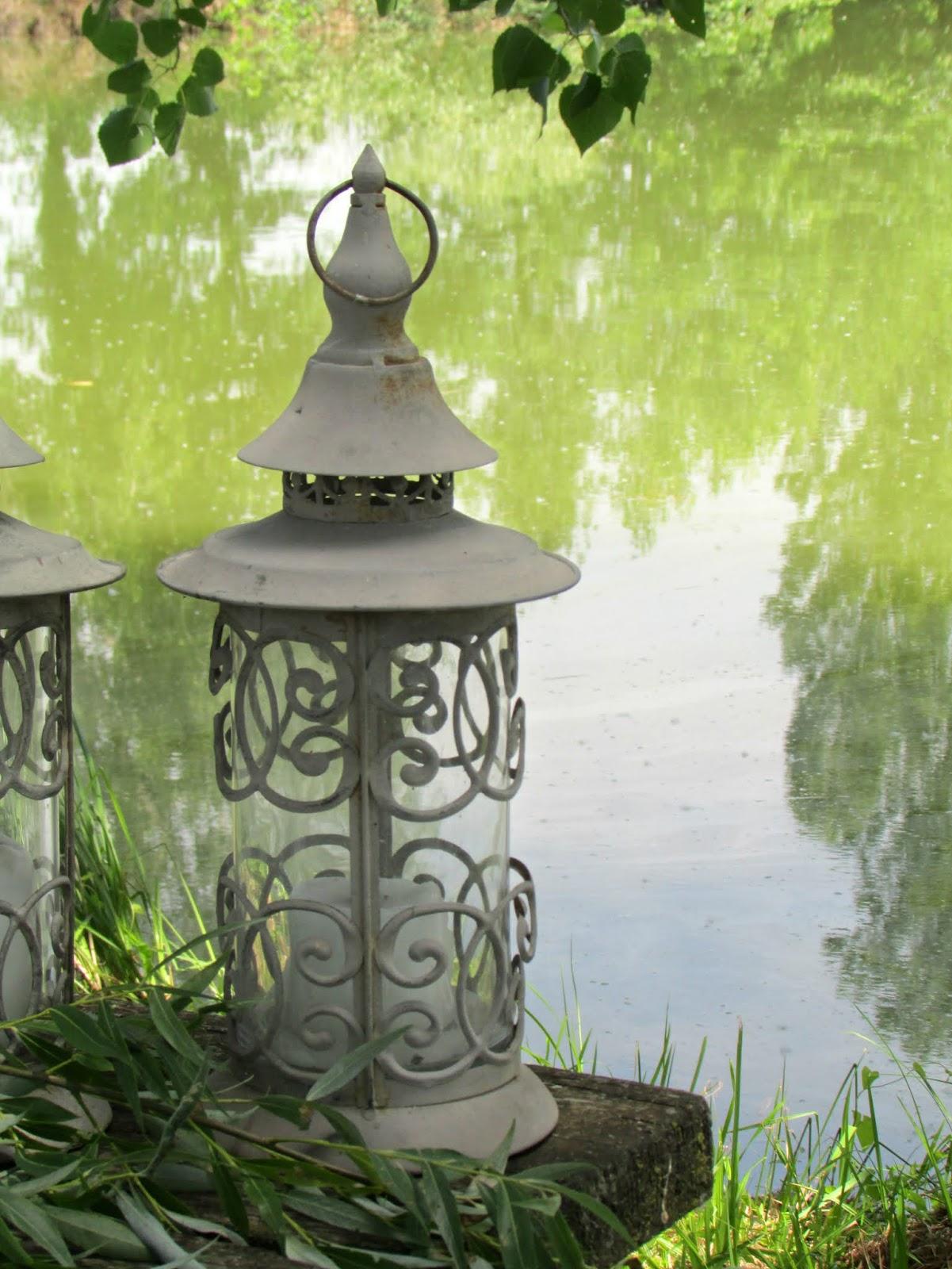 tavola romantica sul lago