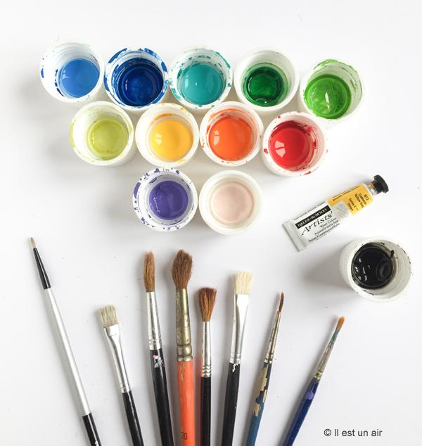 peinture textile et pinceaux