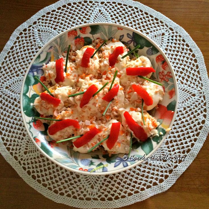 huevos-rellenos-mesa