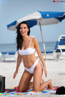 Lisa Opie  in sizzling bikini lovely  sizzling CELEBRITY.CO Exclusive Celebrity Pics 028