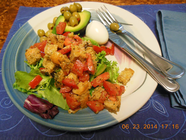 Panzanella, Italian Bread Salad with Tomatoes and Vinaigrette