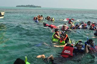 snorkeling di pulau pari