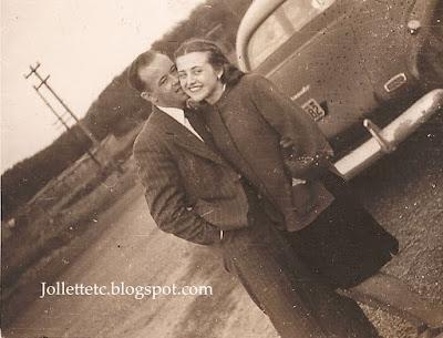 Mary Eleanor Davis and unknown 1947 https://jollettetc.blogspot.com