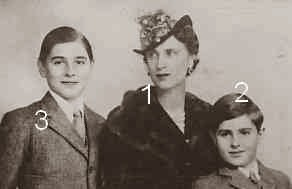 Olga  de Grèce et Danemark princesse Paul de Yougoslavie et ses fils