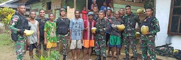 Taktik Sargas Pamtas Yonif 312/Kala Hitam Anjangsana di Kampung Yambrab