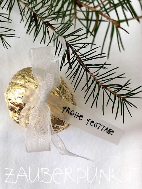 GOLD-Überraschungs-NUSS DIY, Tischdekoration, Blattgold, Minigeschenk, Weihnachtsmitbringsel, Tutorial, DIY, Gold, Weihnachten, Advent, Nussschalen, Glück ist...,