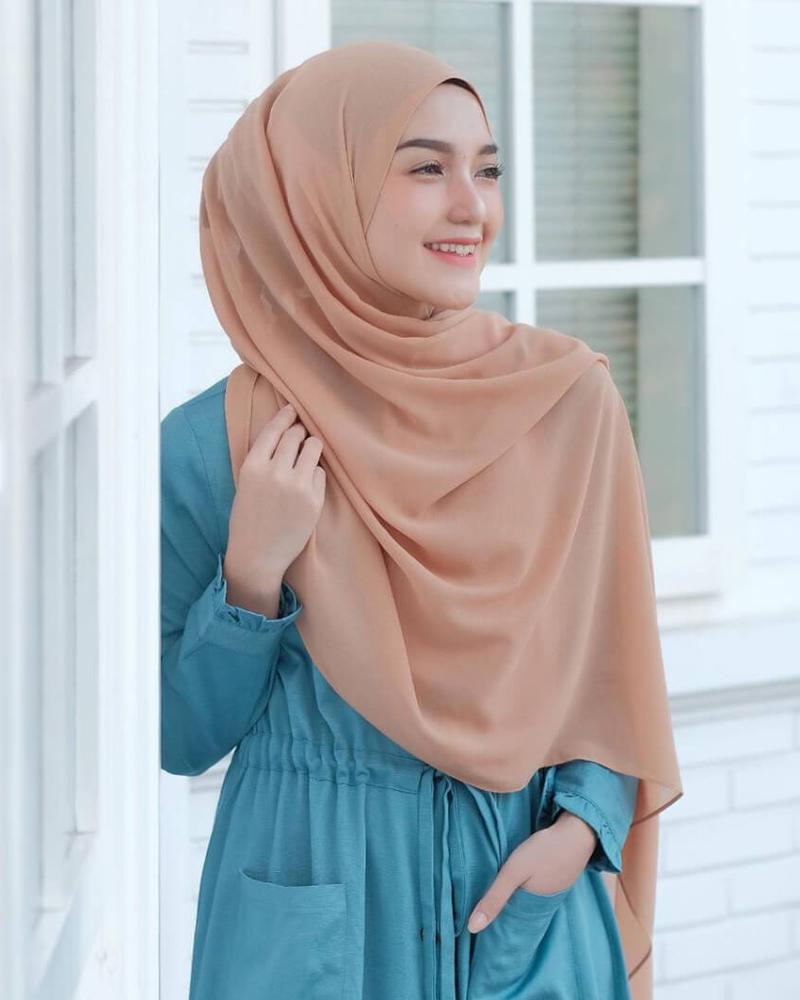 Jilbab Pashmina cewek manis dan seksi imut