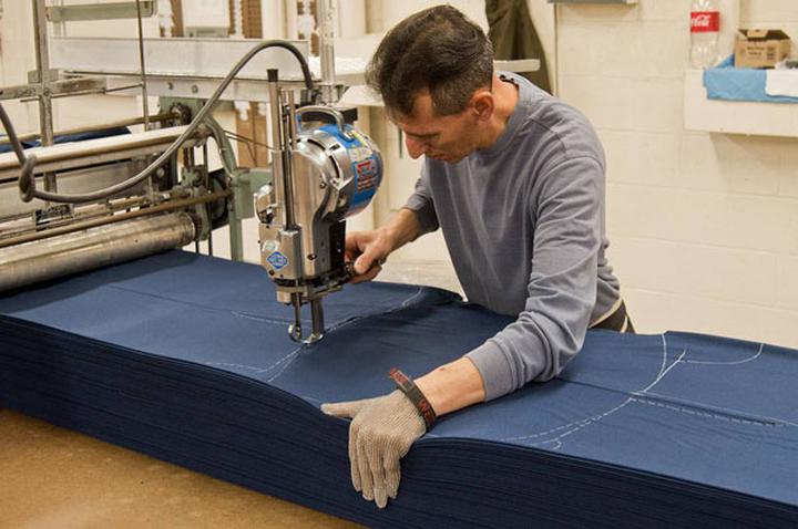 Máy cắt vải công nghiệp đem lại những lợi ích gì?