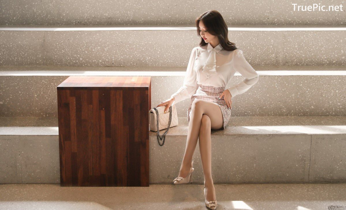 Image-Hot-Korean-Fashion-Model-Son-Yoon-Joo-She-So-Lovely-With-Miniskirt-TruePic.net- Picture-7