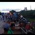 Três homens morrem em acidente na BR-101 após caminhão com carga tombar na Bahia