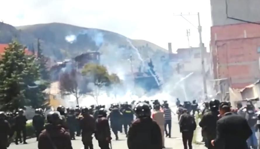 Gases y balines contra piedras y dinamitas impregnaron zona de Villa Fátima / ERBOL