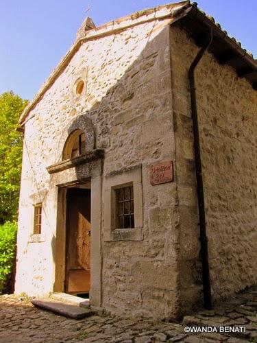 Oratorio di San Pietro, Borgo La Scola
