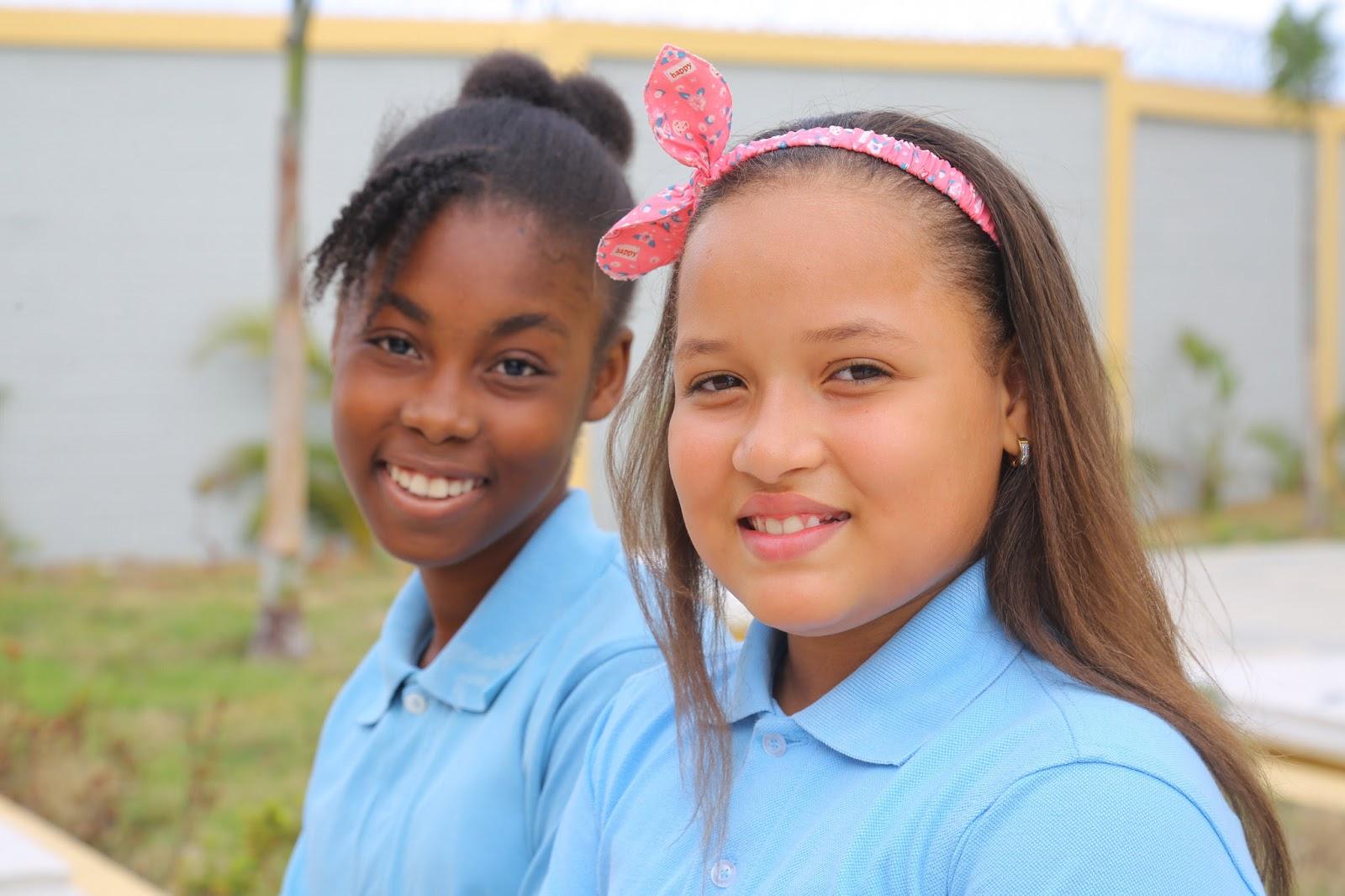 VIDEO: Danilo Medina entrega liceo a 875 estudiantes del sector Invidorex, en Santo Domingo Este