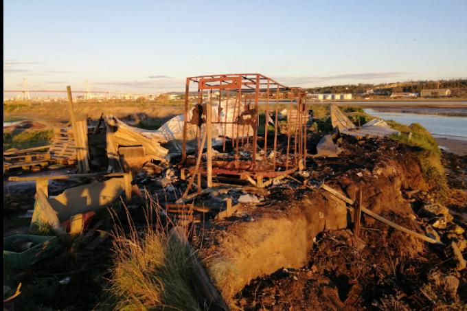 Armazém de pesca na Figueira da Foz totalmente destruído após incêndio