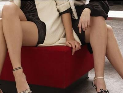 Você quer saber um pouco mais sobre a sua personalidade através da forma que você cruza as pernas?