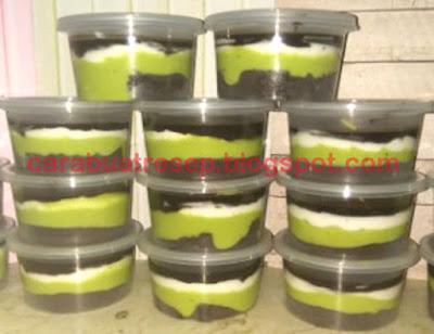 Foto Resep Brownies Alpukat disingkat Browkat Lumer Meleleh di Mulut Sederhana Spesial Cup untuk Jualan Asli Enak