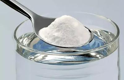 woda z solą na zajady