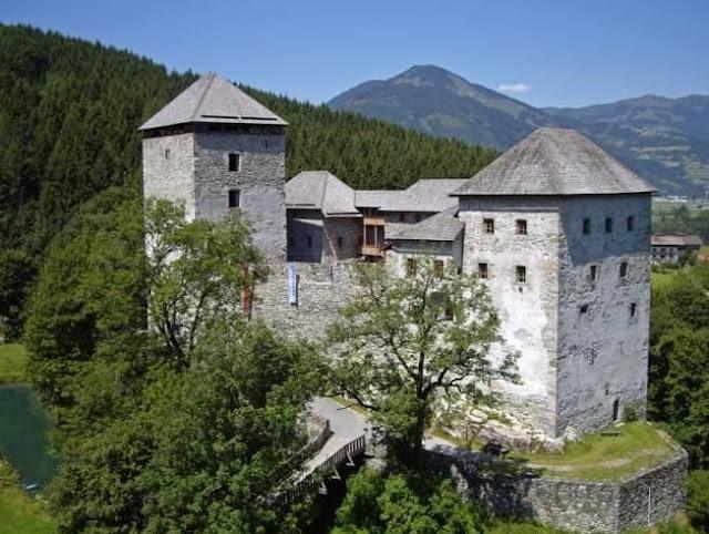 قلعة كابرون